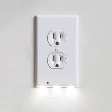 iTD Gear Wall Outlet Coverplate w/ LED Night Lights (Auto on/off) $3.59 fs @ itd
