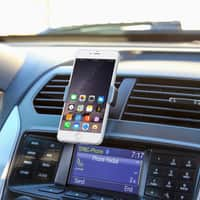 iTechDeals Deal: Portable Smartphone/GPS Car Mount Vent Clip