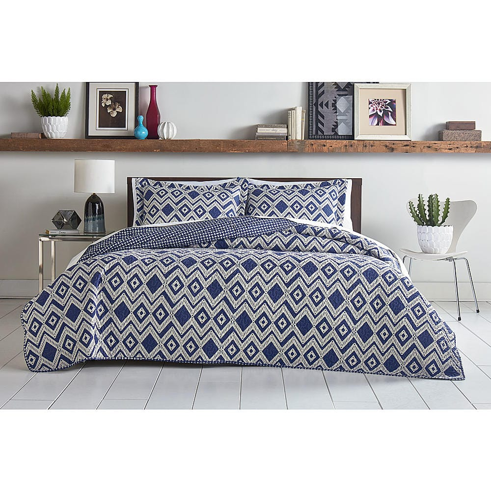 Attention 3-Piece Quilt Set (Full/Queen or King) + $30 SYWR Points  $20 + Free Store Pickup