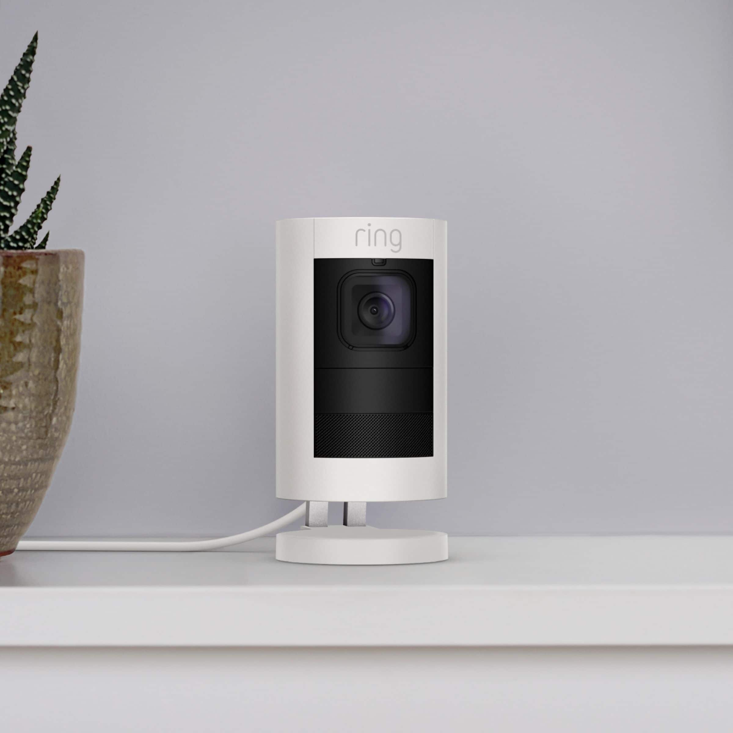 Ring - Stick Up Camera battery/wired 125$ BestBuy $125