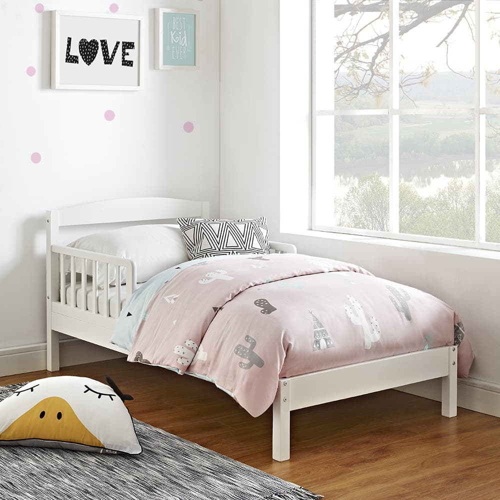 New Toddler Bed at Walmart - Espresso is $59 but White is showing at $47.76 - Good Deal