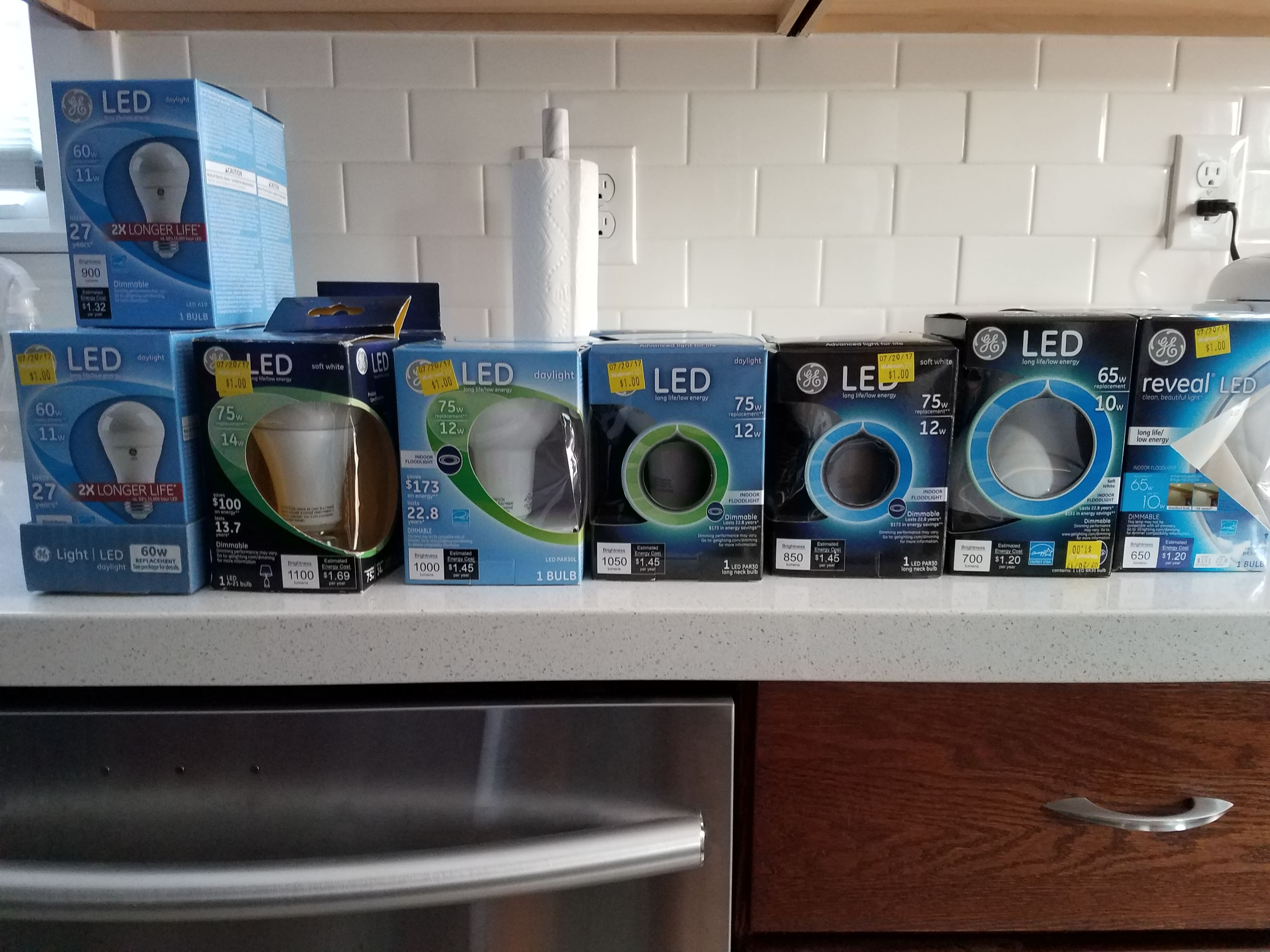 Walmart Clearance LED Lightbulbs $1 - YMMV
