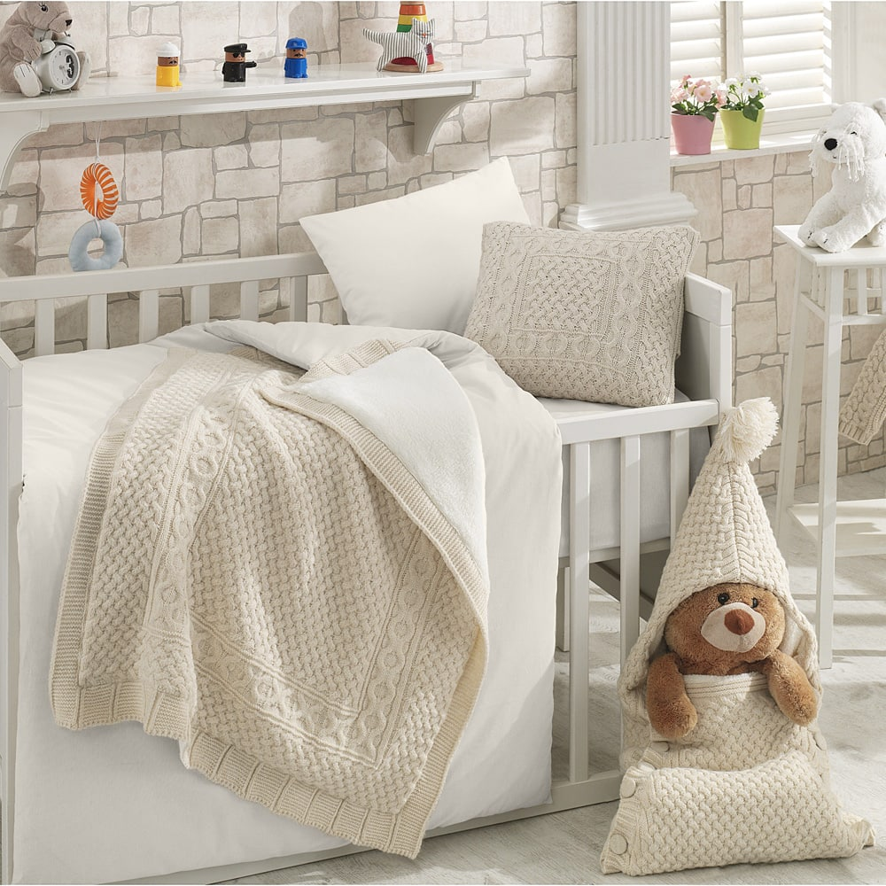 Naturel Wool Blended 6 Piece Crib Bedding Set by Nipperland $98.99
