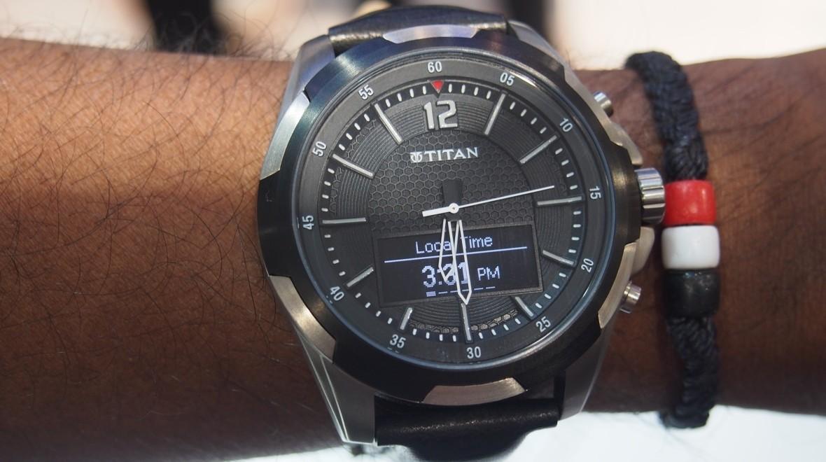 Newegg Flash Deal - Refurbished: HP N3U46AA Wearable Electronic Titan $74.99