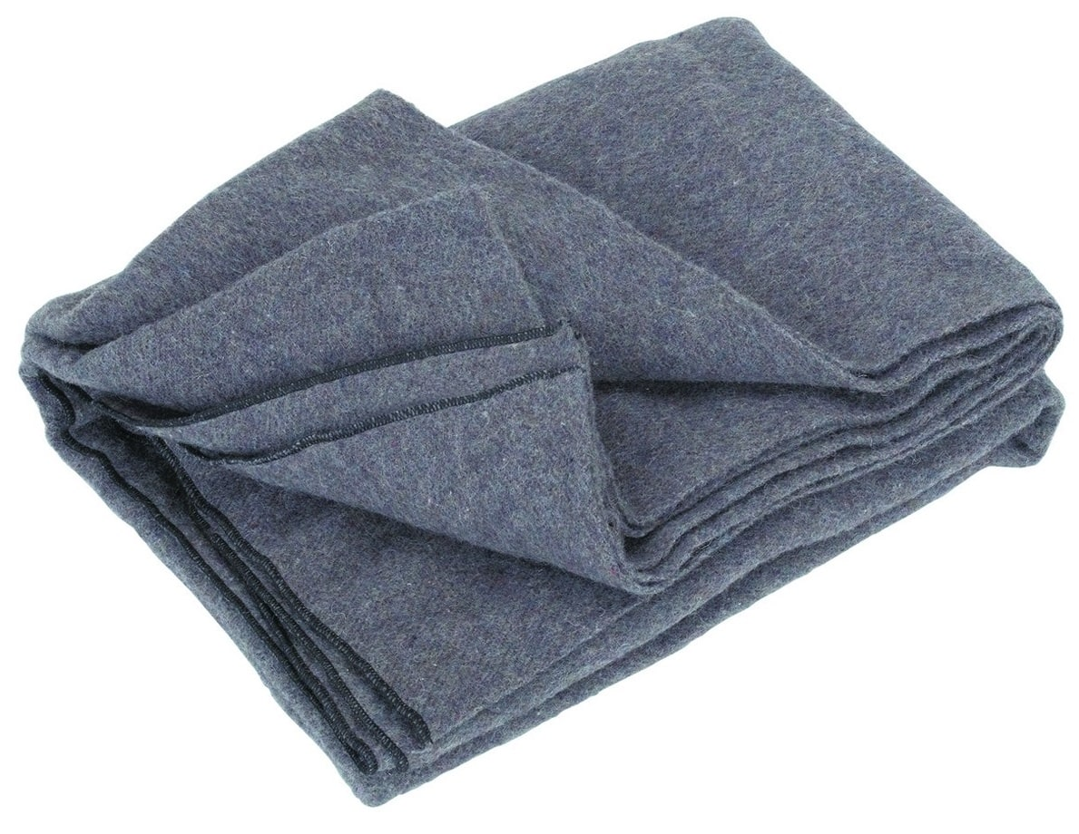 """60""""x80"""" Wool blanket clearance at Harbor Freight $6.97 (In-store)"""