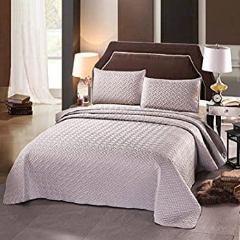 3-Piece Solid Quilt Set (Twin, Full/Queen, King,4 Colors) from $17.99 AC @ Amazon.com