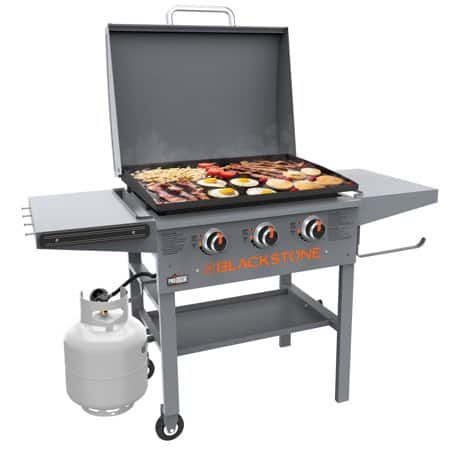 Blackstone 28 inch ProSeries 3-Burner Griddle with Lid $174.00 or Less Store Pickup Only
