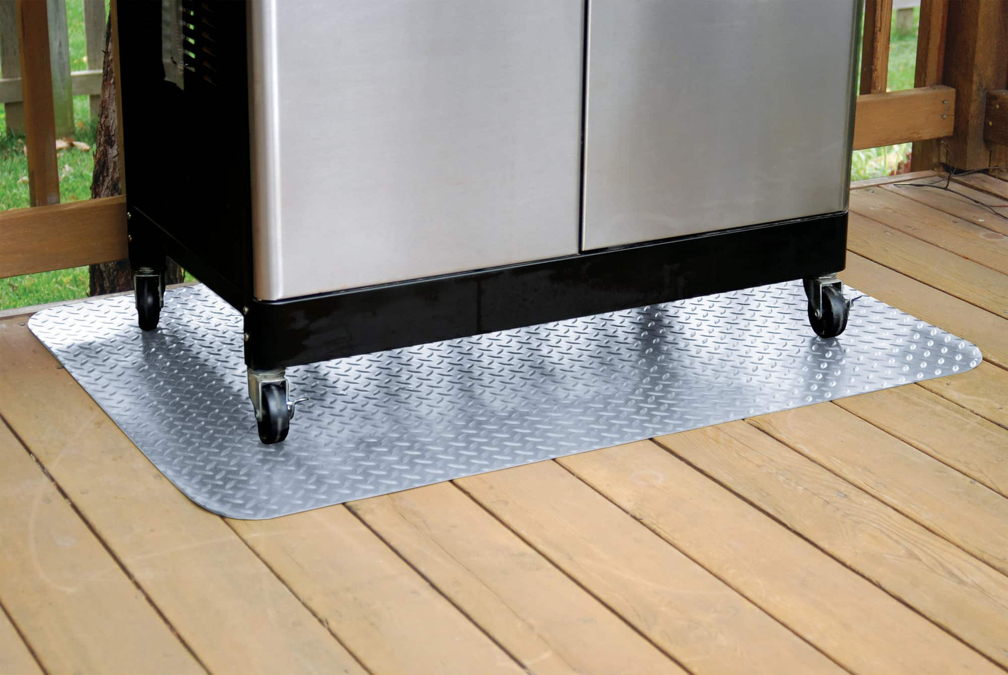 "G-Floor Grill Mat, 47"" x 32"", Diamond Tread, Metallic Silver $8.98"