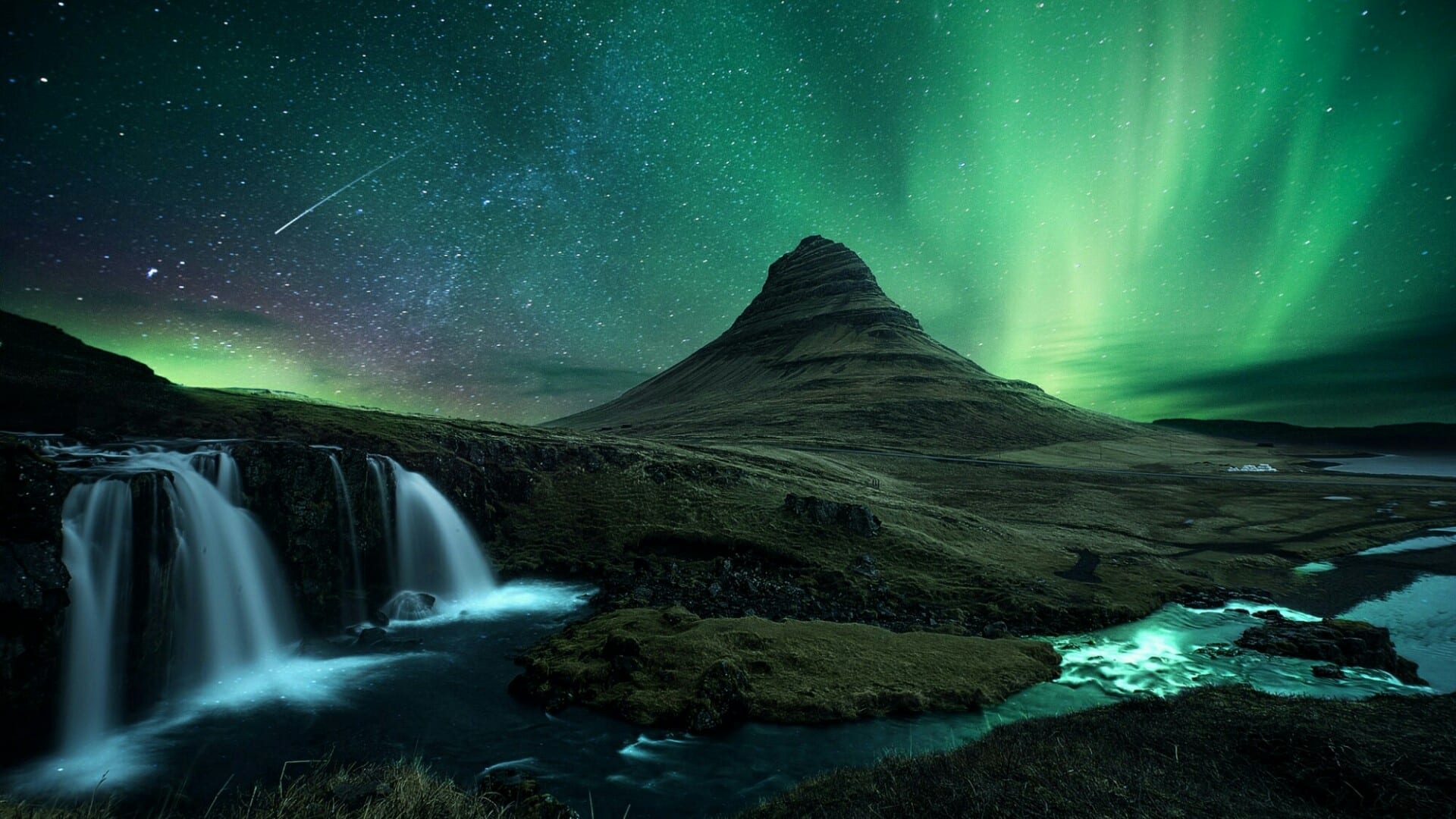 Seattle to Reykjavik Iceland RT non stop tickets in Iceland Air for $522