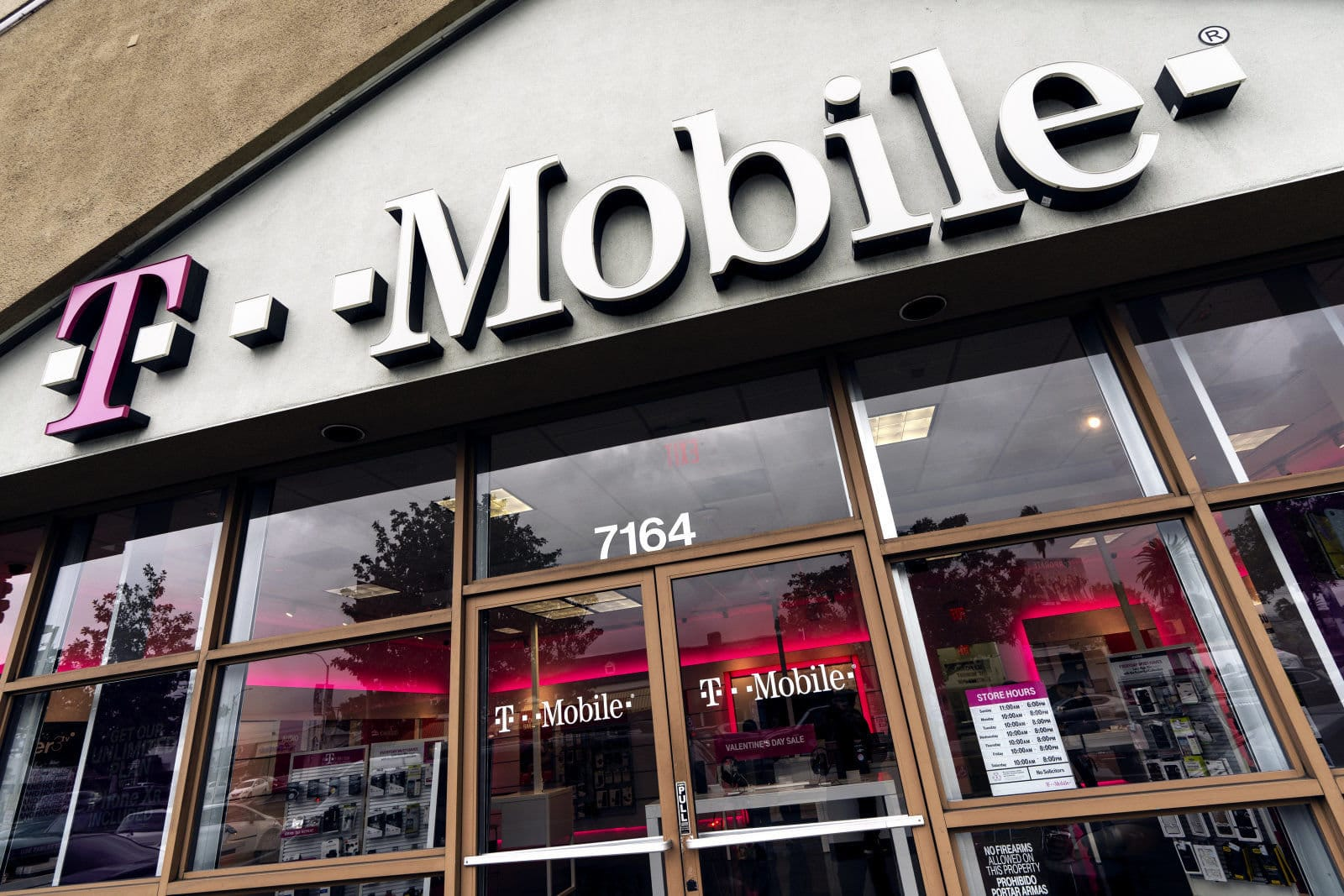 T-Mobile $15/month pre-paid 5G plan to roll out post merger with Srint