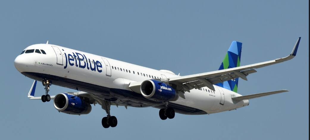 New York to Bermuda $265 RT Nonstop Airfares on American or JetBlue (Peak SUMMER June July Aug)