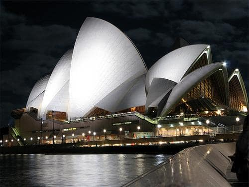 Chicago to Sydney Australia $577-$650 RT Airfares on Qantas (Travel March-Sept 2019)