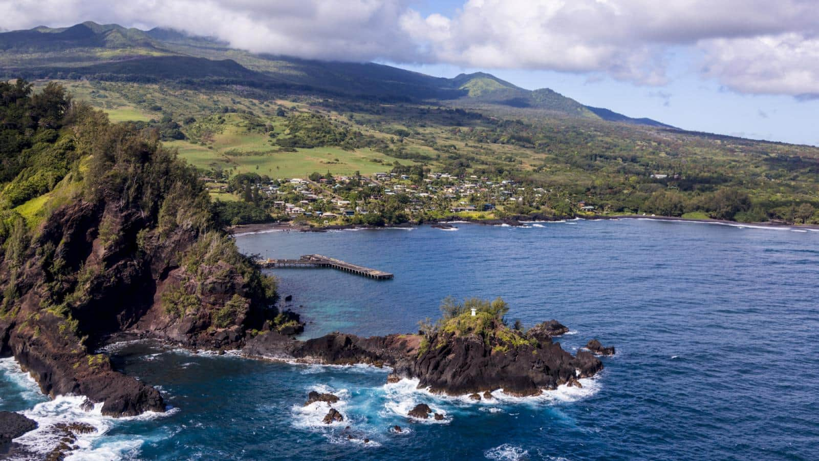 San Francisco to Maui Kahului Hawaii or Vice Versa $358 RT Nonstop Airfares on United BE or Alaska Airlines SF (Travel Sept-Feb 2020)