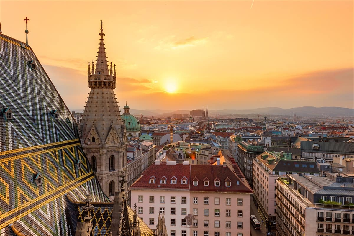 Charlotte NC to Vienna Austria $478 RT Airfares on United / Austrian Airlines BE (Travel September-November 2020)