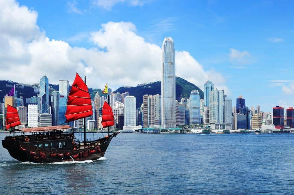 Las Vegas to Hong Kong $402 RT Airfares on United or American Airlines Main Cabin (Flexible Ticket Travel November - April 2021)