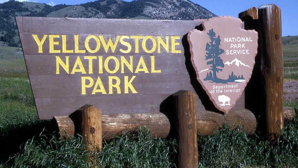 San Antonio TX to Jackson Wyoming (Yellowstone National Park) or Vice Versa $186 RT Nonstop Airfares on American Airlines BE (Travel September - November 2020)