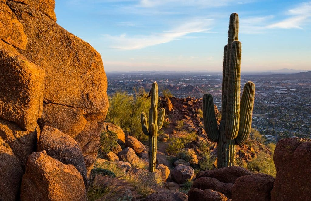 Minneapolis to Phoenix or Vice Versa $127 RT Nonstop Airfares on American Airlines BE (Travel October - February 2021)