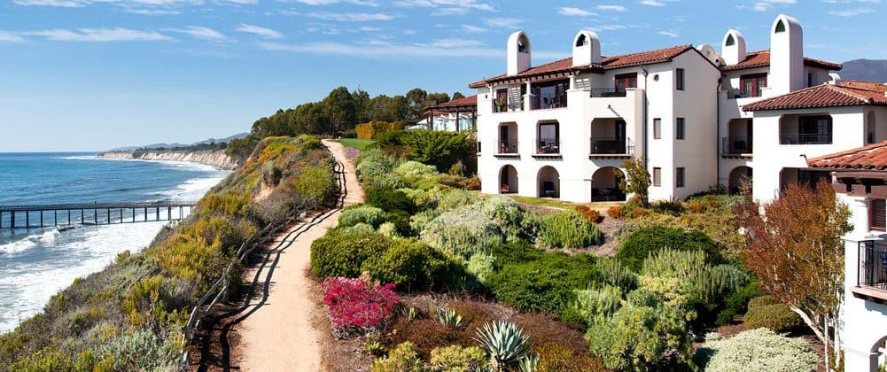 Des Moines IA to Santa Barbara CA or Vice Versa $217 RT Airfares on United Airlines Main Cabin (Travel May - June 2021)