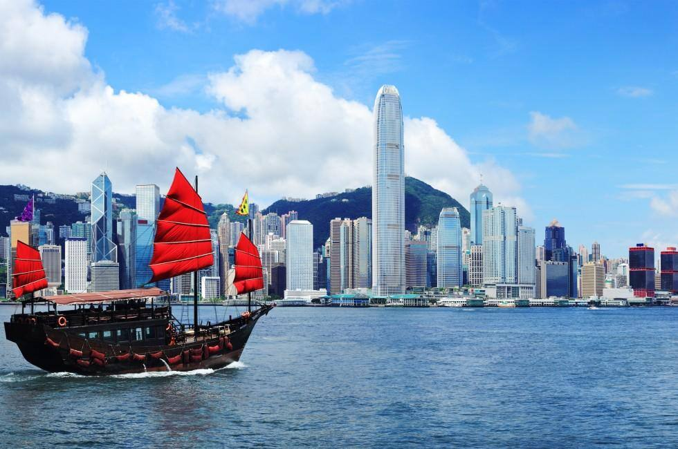 Charlotte NC to Hong Kong $396 RT Airfares on United Airlines Main Cabin (Travel September - December 2021)