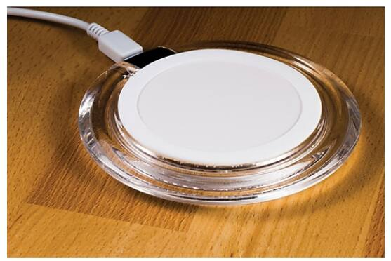 Staples Qi Wireless Charging Pad, 10W, White (52349-US) $7.46