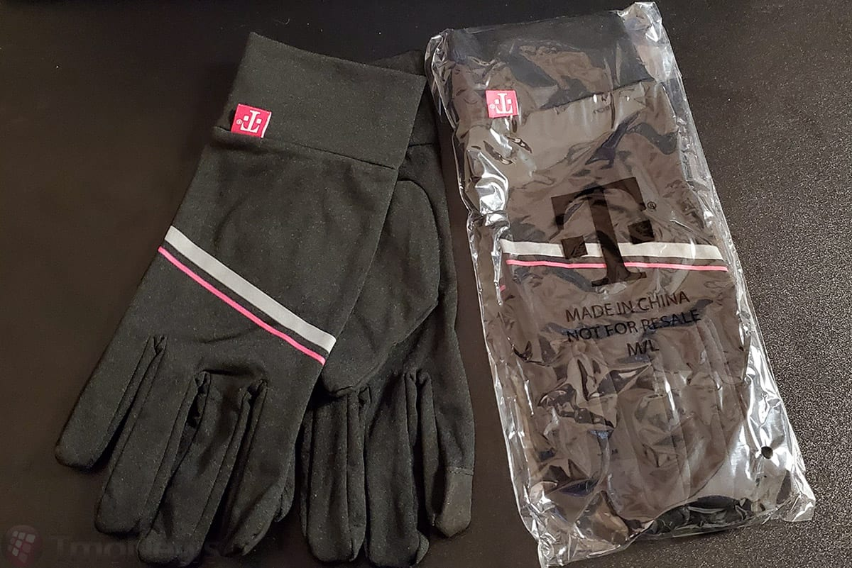 T-Mobile to give free touchscreen gloves to customers for upcoming T-Mo Tuesday