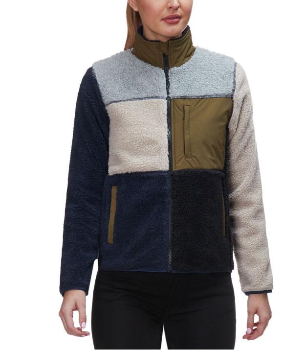 Save an Additional 20% off Fleece at Backcountry.com