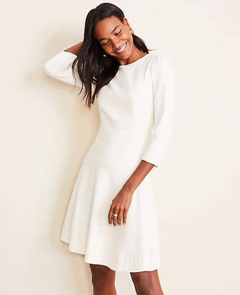 Ann Taylor: 40% Off + Extra 10% Off, Ends 11/12 at 3AM ET