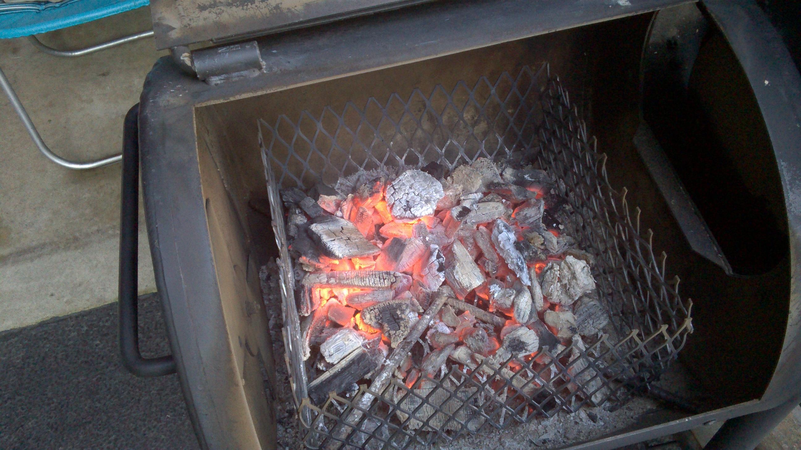 Oklahoma Joe s Highland 879 sq in Black Charcoal Horizontal Smoker