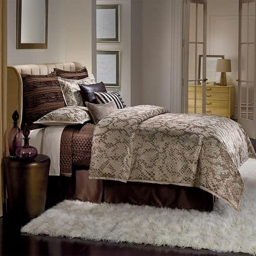 Kohl's Cardholders: 4-pc Jennifer Lopez Bedding Collection Comforter (Queen)  $25.20 & More + Free S&H