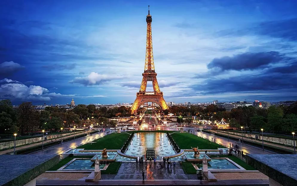 Roundtrip Nonstop Flight: New York to Paris/Barcelona $300 (Nov-March)