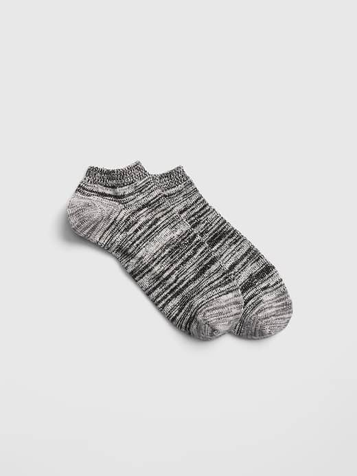 Gap.com: Men's Ragg Ankle Socks $1.64, Long Sleeve Classic Tee $4.39, Vintage Wash V-Neck $7.14 + FS on $50+