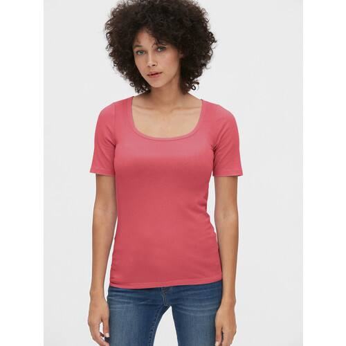 Gap.com Women's V-Neck Tees $3.22, Featherweight Tees $5.39, Jeans from $11.32 + Free Shipping