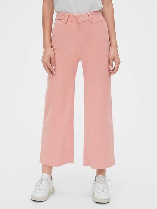 Gap.com Women's High Rise Wide Leg Crop: Cords $12, Jeans $12.49, Pleated Pants $13.49 | Camp Shirt $15, Cigarette Cords $15.49 & more + FS on $12.50+