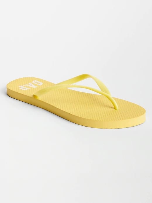 Gap Factory: Women's Flip Flops $2, Khaki Shorts $6.50, Jeans $11.50 & More + FS on $25+ / FS for Cardholders