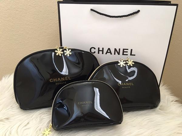 Chanel beaute snowflake vip cosmetic makeup bag large $39.99