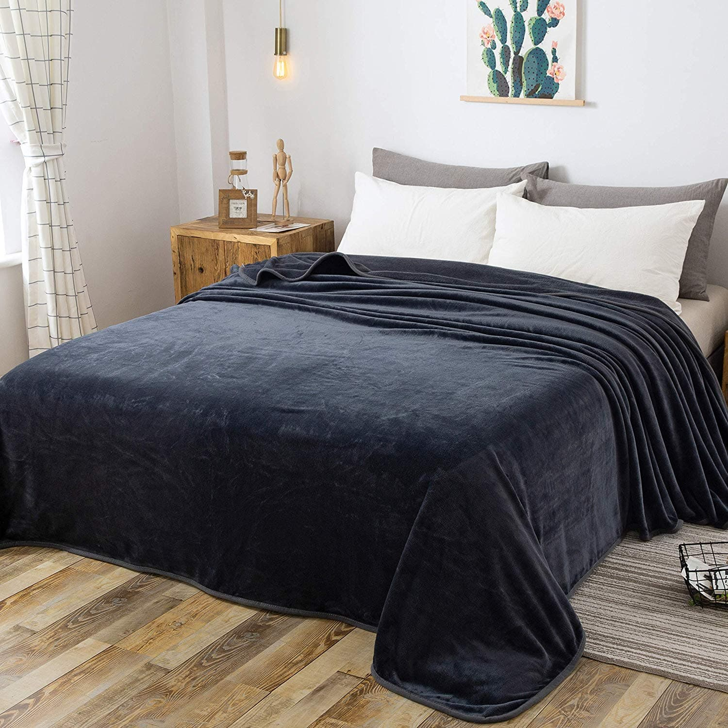 "Richave Fleece Queen Size 90"" x 90"" Dark Gray Blanket - Amazon $19.94"