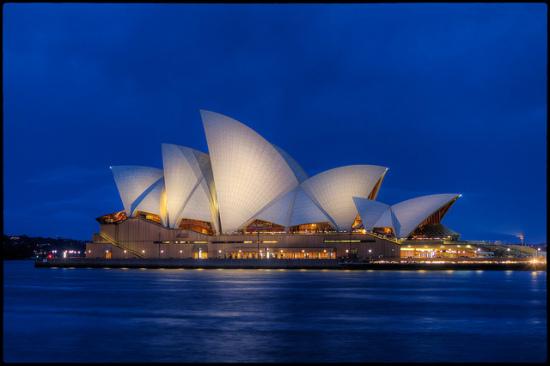 Delta Air Lines | $580 RT | San Francisco to Sydney, Australia