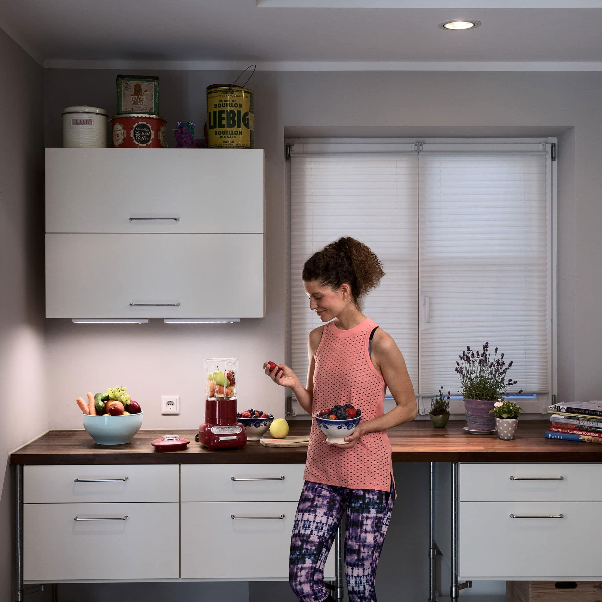 6-Pack Sylvania Lightify LED Smart Connection Light Gateway and A19 Bulb Kit $22.99 + FS