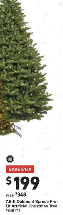 Lowe's Black Friday: 7.5 ft. General Electric Oakmont Spruce Pre-Lit Artificial Christmas Tree for $199.00