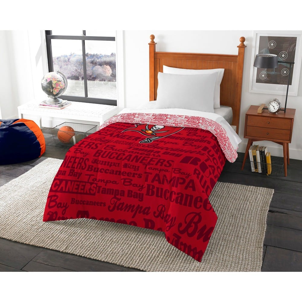 Target : NFL Twin Comforter (Bucs, Browns, Titans, Chargers, Rams, Jets) for $12.24 and Full $15.74 plus taxes with in-store pick-up