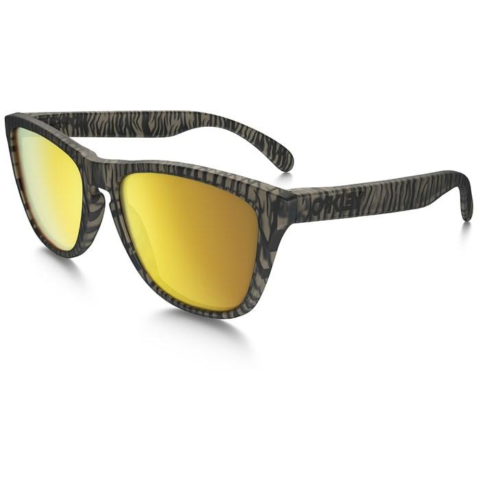 Oakley Frogskins Sunglasses @ EVO $45.49 AC