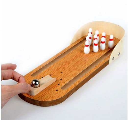 Gamiss: Wooden Mini Desktop Bowling