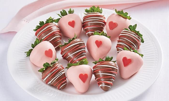 Groupon: Valentine's Day Gifts -  50% Off Pro Flowers, Gift Baskets, Strawberries & More