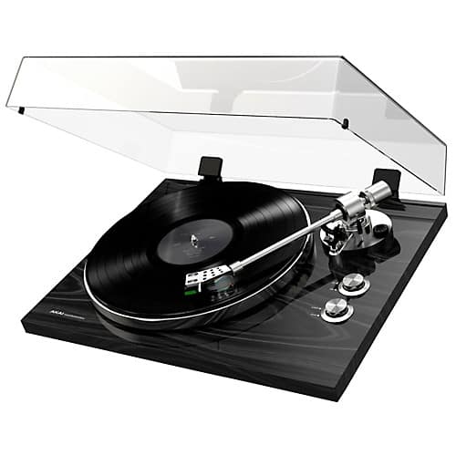 Akai Professional BT500 Premium Belt-Drive Record Player $199.99 Free Shipping