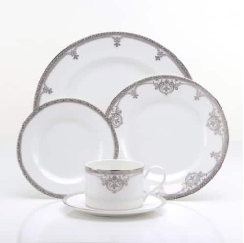 Oneida: Up to 75% Off Dinnerware + Free Shipping on $49+