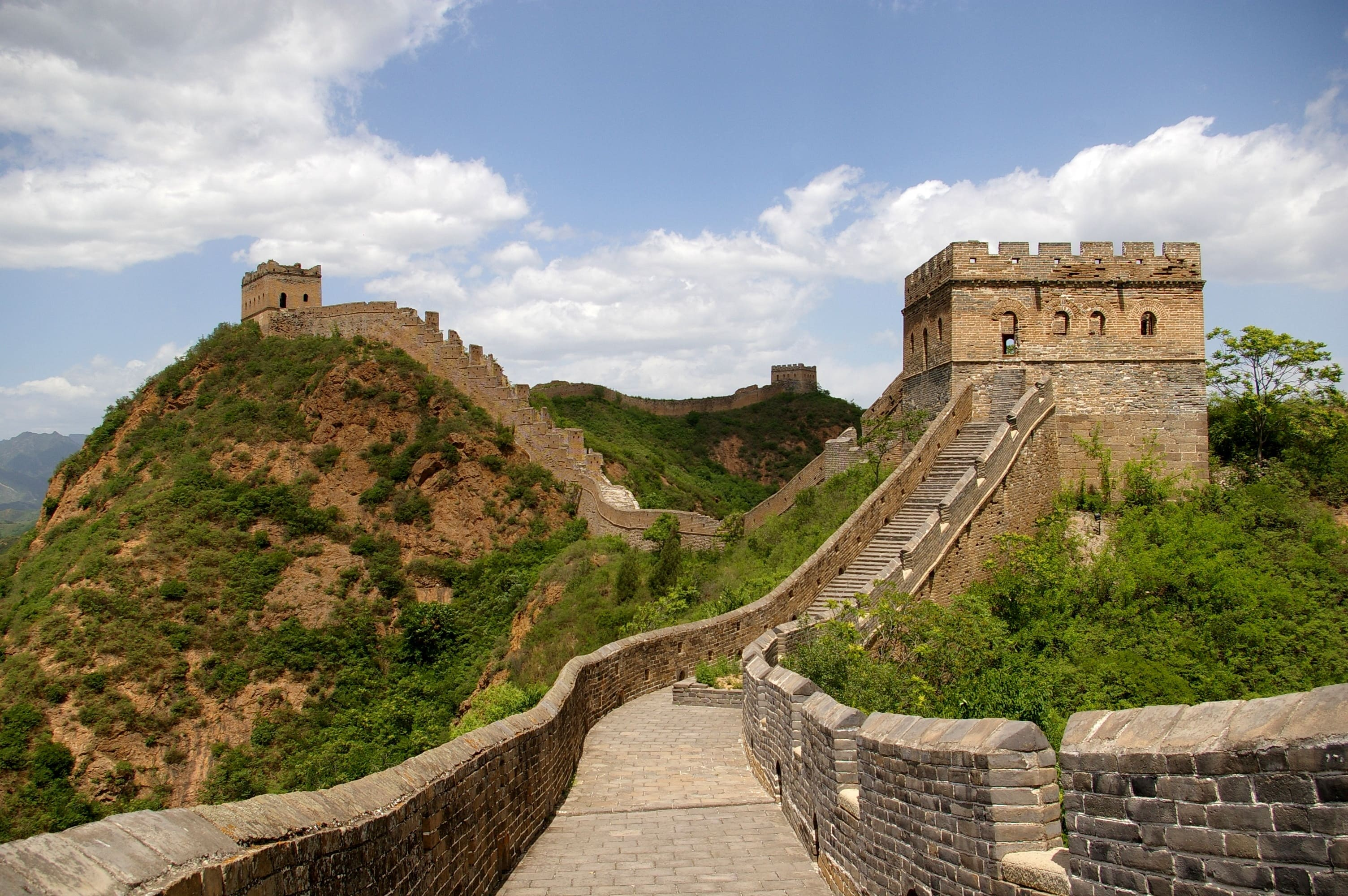 $300s/$400s roundtrip flights from over 20 US Cities to Beijing China