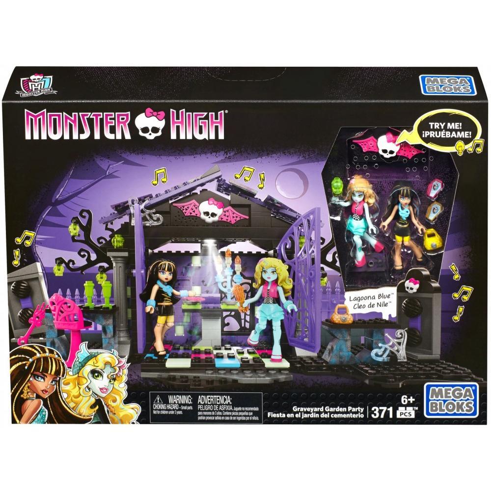 Mega Bloks Monster High Graveyard Garden Party 371 Pieces - $14.44