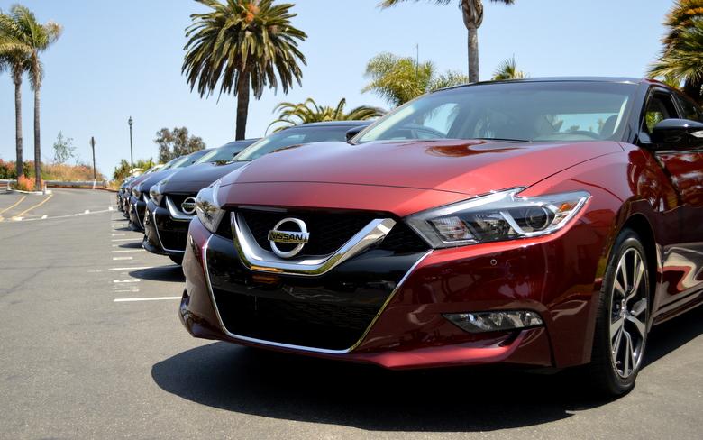 2016 Nissan Maxima Lineup