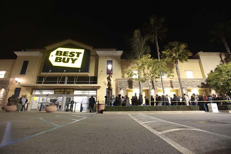Best Buy line on Black Friday
