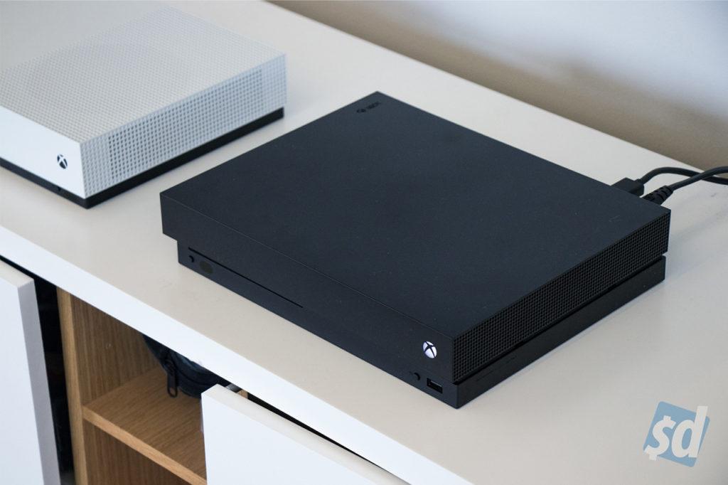 Xbox One X 5